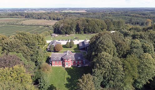 Skovskolen Eldrupgård set oppefra